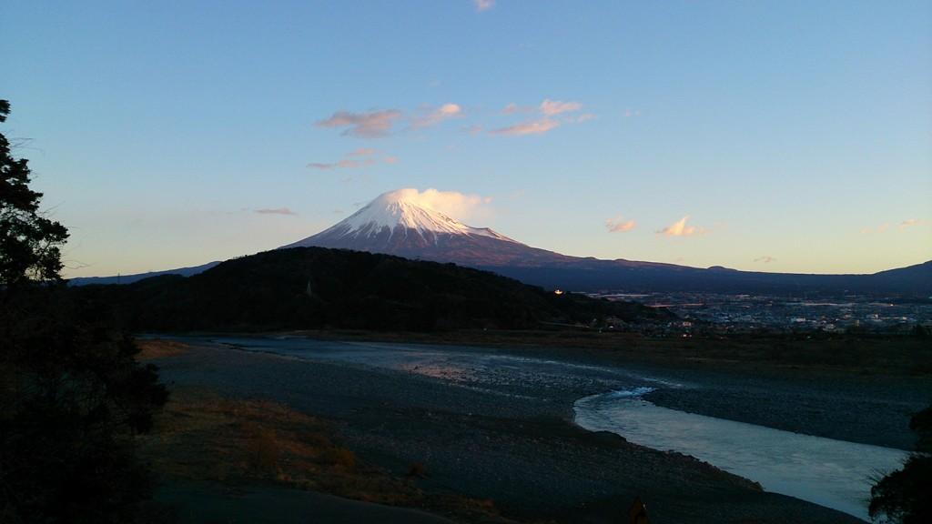 元旦の富士山と富士川