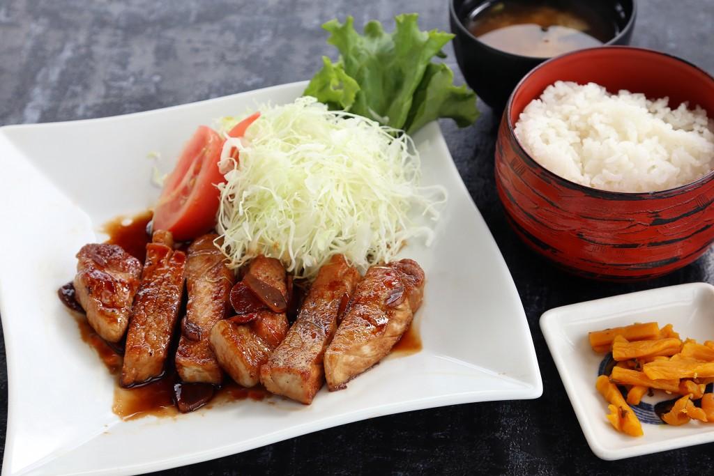 Restaurant × Cafe Mt.223